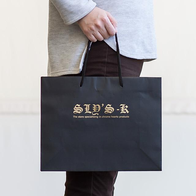 マットクールバッグMサイズ黒に金箔での箔押し印刷を施した実際の製作事例写真です。