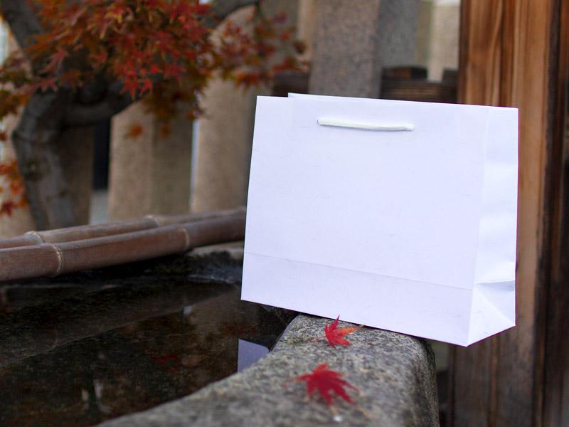 和婚にぴったりの和紙風クラフトバッグは50枚からご注文可能