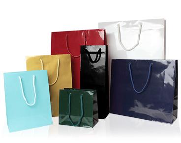 PPラミネートバッグはワインなどのボトル物やジュエリーなどの小物、箱物に適したサイズなど、色だけでなくサイズも豊富にご用意ございます。