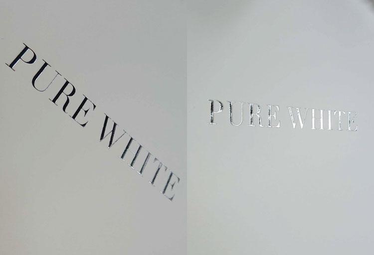 見る角度によって表情が変化する箔押し印刷