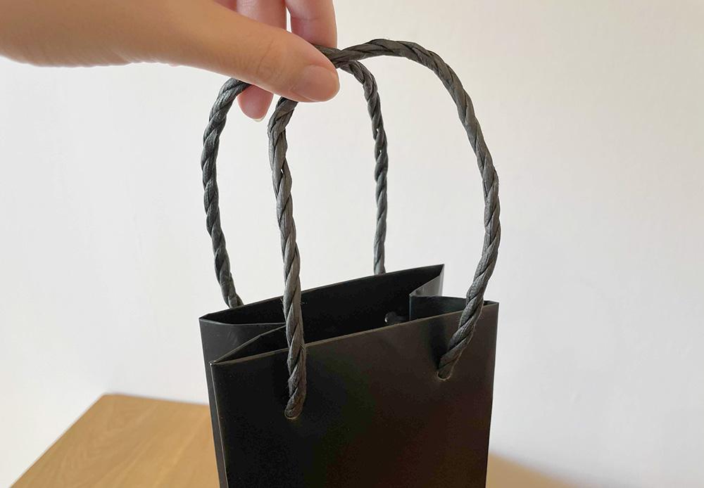 紙製の紐ハンドル