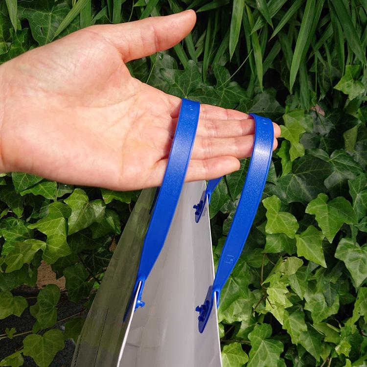 紙袋の上部が閉じることが出来るハッピータック