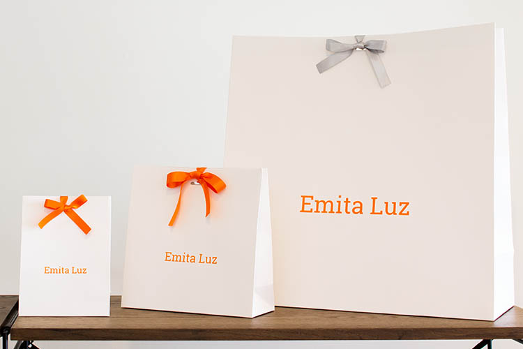 今月の一枚 第114回「Emita Luz Co., Ltd.」様 オリジナル紙袋 3種【Pick Up 製作事例】